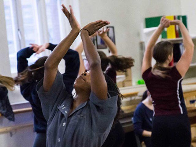 INTENSIVE VISITING WORKSHOP IN DANCE STUDIO
