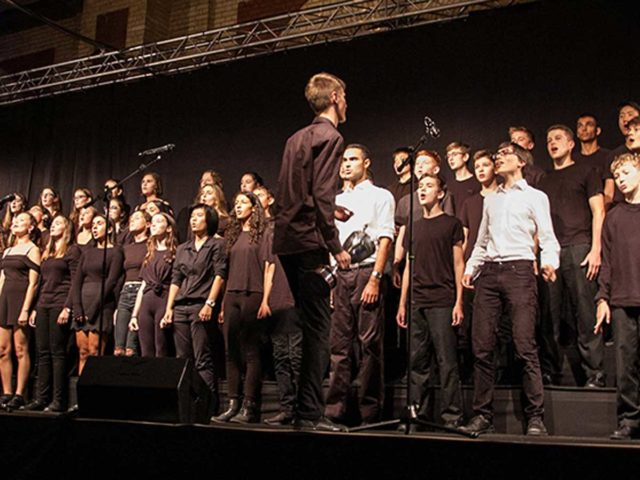 HOUSE SINGING COMPETITION