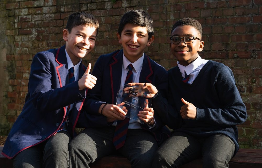 Pupils with TES Independent School of the Year 2020 Trophy