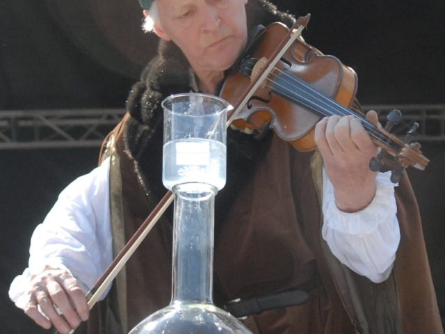 Dr Andew Szydlo - chemist and violinist